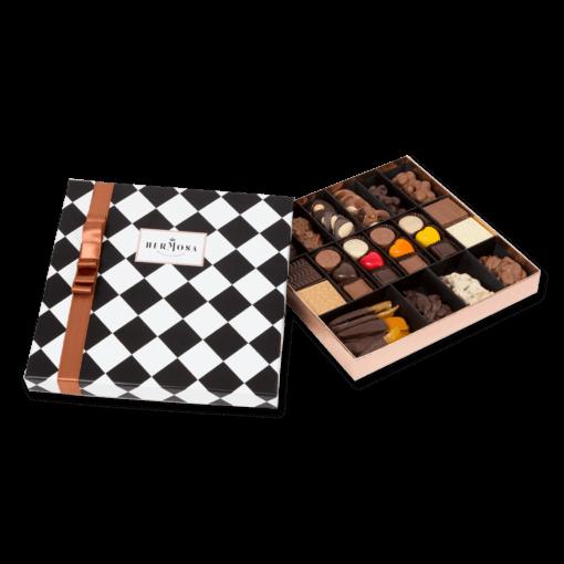 Karışık Çikolata Ece Kalpli İçerik