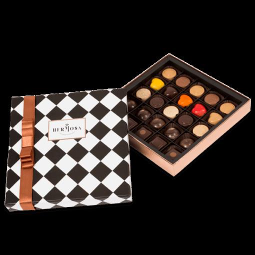 Hediyelik Karışık Pralin Çikolata Kutusu Orta Boy